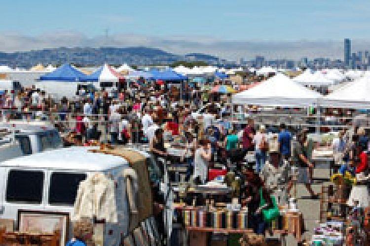 יריד אלמדה פוינט. מתחם ענק עם כ־ 800 דוכנים צילום Almeda Point Antique Fair