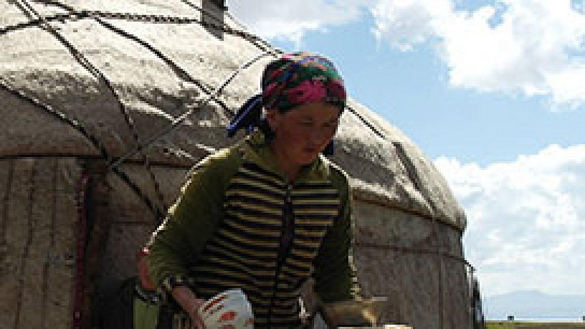 נשים עסוקות בעבודות הבית. צילום: יגאל צור