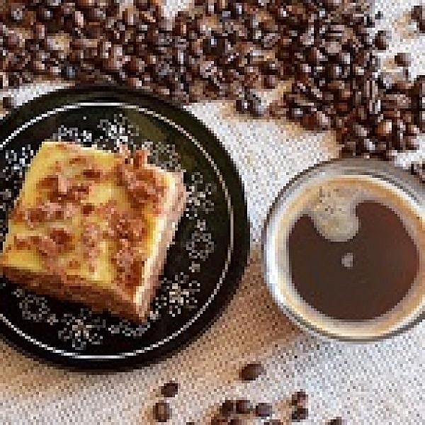 קפה וקינוח. צילום: shutterstock