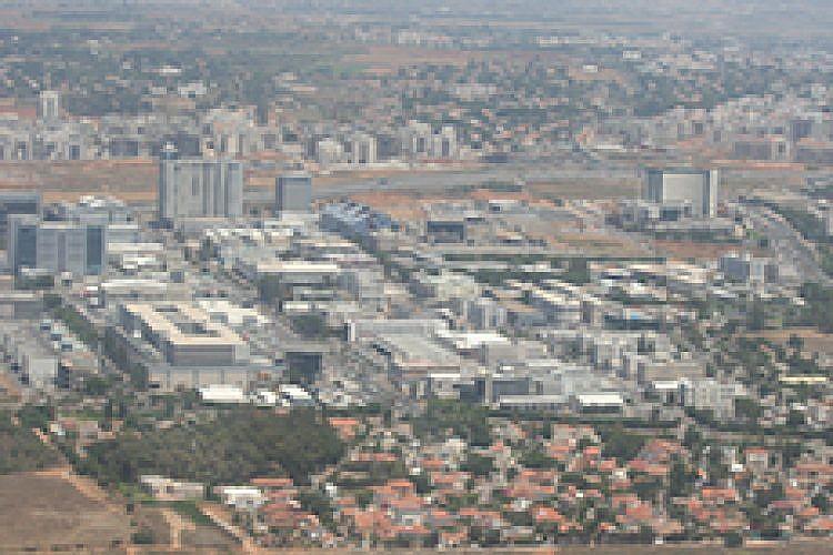 אזור התעשייה ברעננה. צילום: Oyoyoy,  CC-BY-SA-3.0