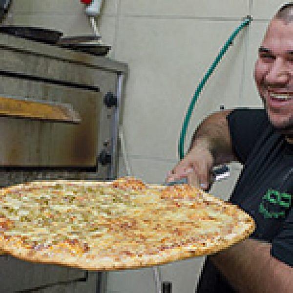 באבא פיצה. צילום: אנטולי מיכאלו