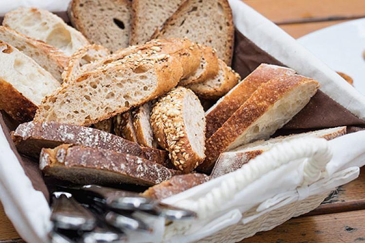 אם אין לחם. צילום: Shutterstock