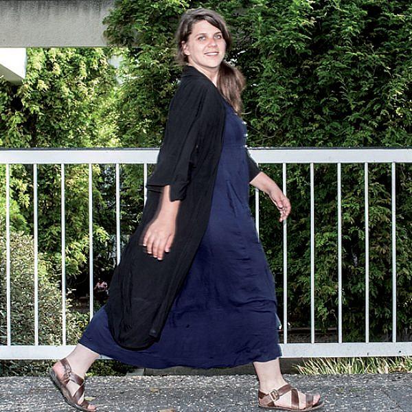לאן הולכת האישה ההולכת. דפני ליף (צילום: איליה מלניקוב)