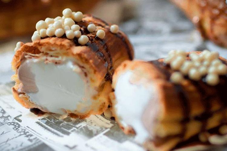 אקלר במילוי גלידה איטלקית. קרמרי דה ל'אקלר. צילום: תומר לוי