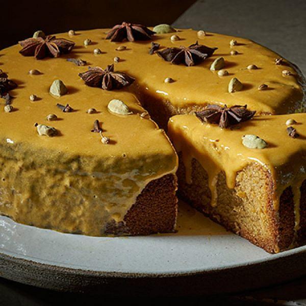עוגת מייפל עם דלעת ותבלינים חמים. צילום: אנטולי מיכאלו