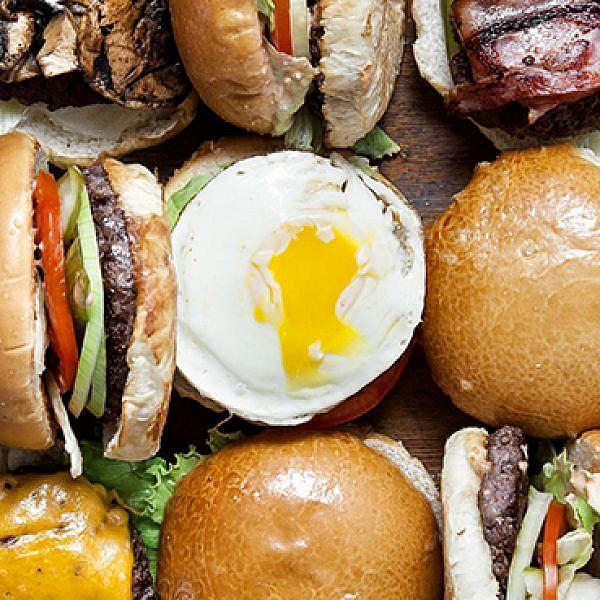 המבורגר מוגזם באגאדיר. צילום: תמוז רחמן