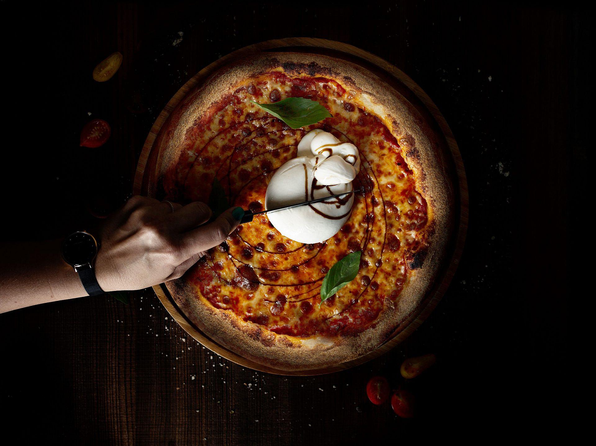 פיצה בוראטה, גוני (טליה אוצר)