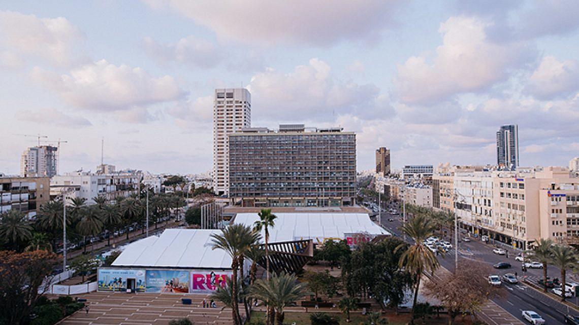כיכר רבין לפני המרתון השנה (צילום: בן קלמר)