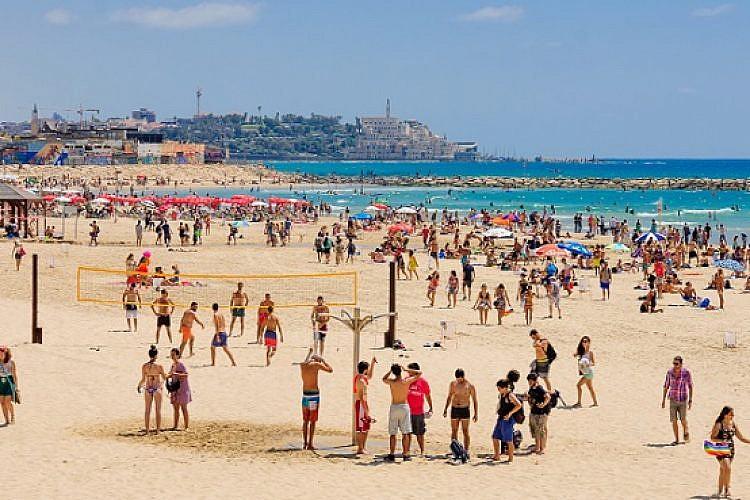 חוף הים בתל אביב (צילום: shutterstock)