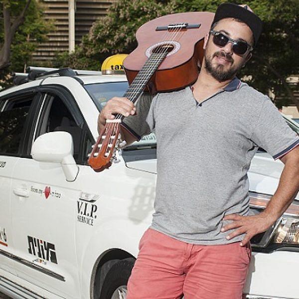 גלעד בן דוד, מונית הקריוקי (צילום: איליה מלניקוב)