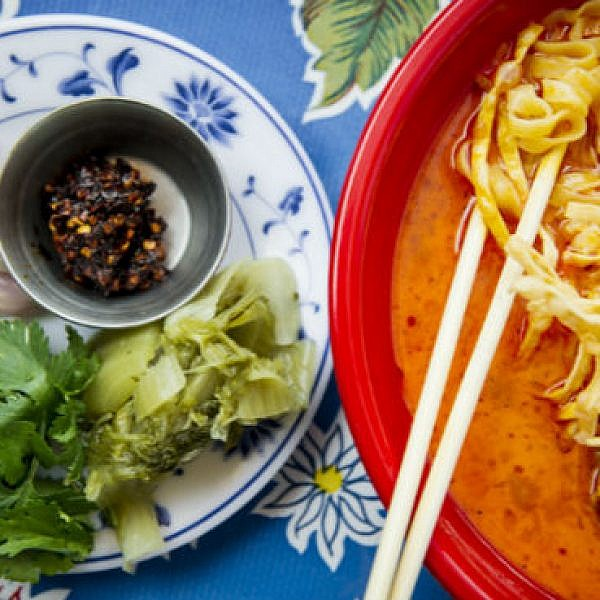 תאכלו גם בזול בפסטיבל ראונד טייבלס. POK POK. צילום: יח