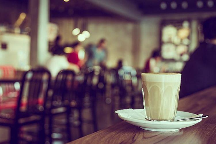 בית קפה (צילום: שאטרסטוק)