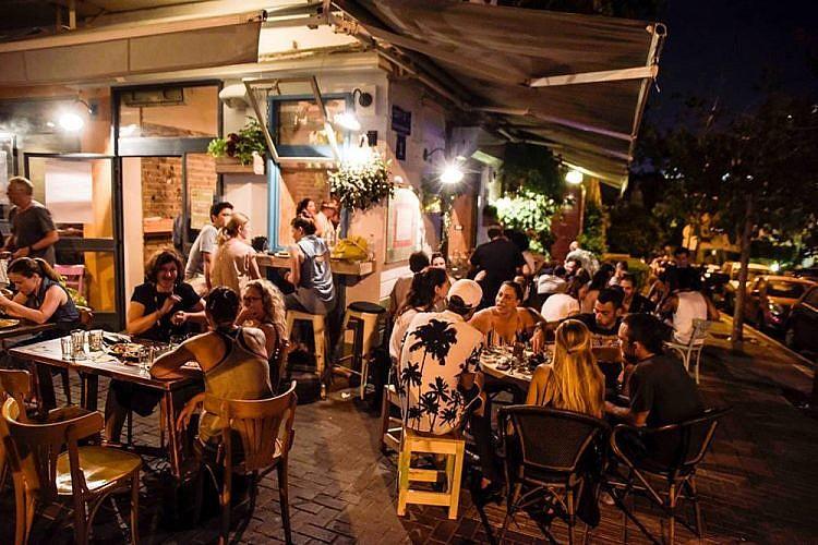 בבי בר אוכל. צילום: Tel-Aviv-Paparazzi
