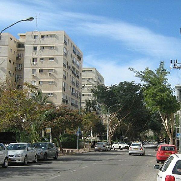 רחוב הרב אשי, נווה אביבים (ויקיפדיה)