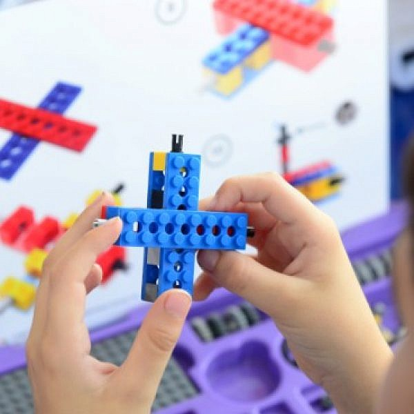תוכנית החוגים לרובוטיקה מהנדסים צעירים