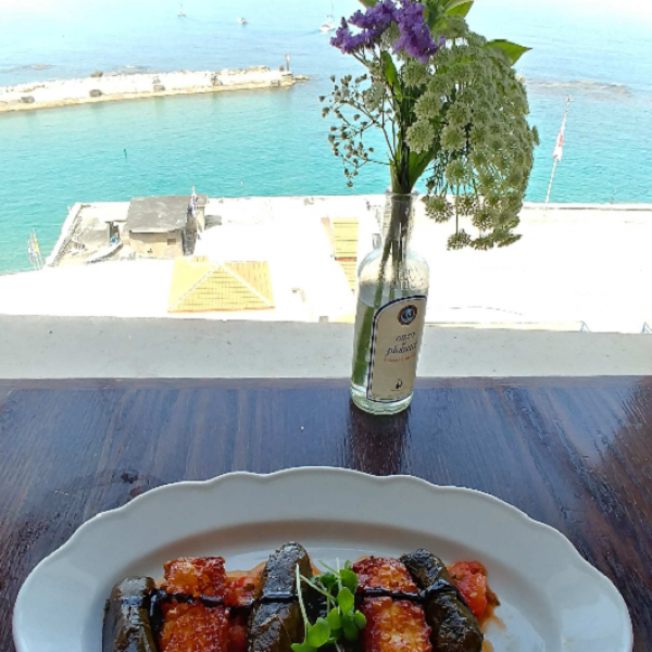חלון לים התיכון, קלמטה. צילום: יורם לשם