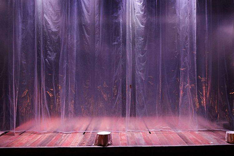 """מתוך המחזה """"אותלו"""" בקאמרי (צילום: רדי רובינשטיין)"""