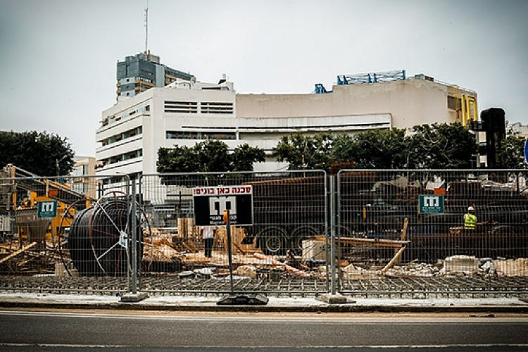 כיכר דיזנגוף המשתפצת (צילום: שלומי יוסף)