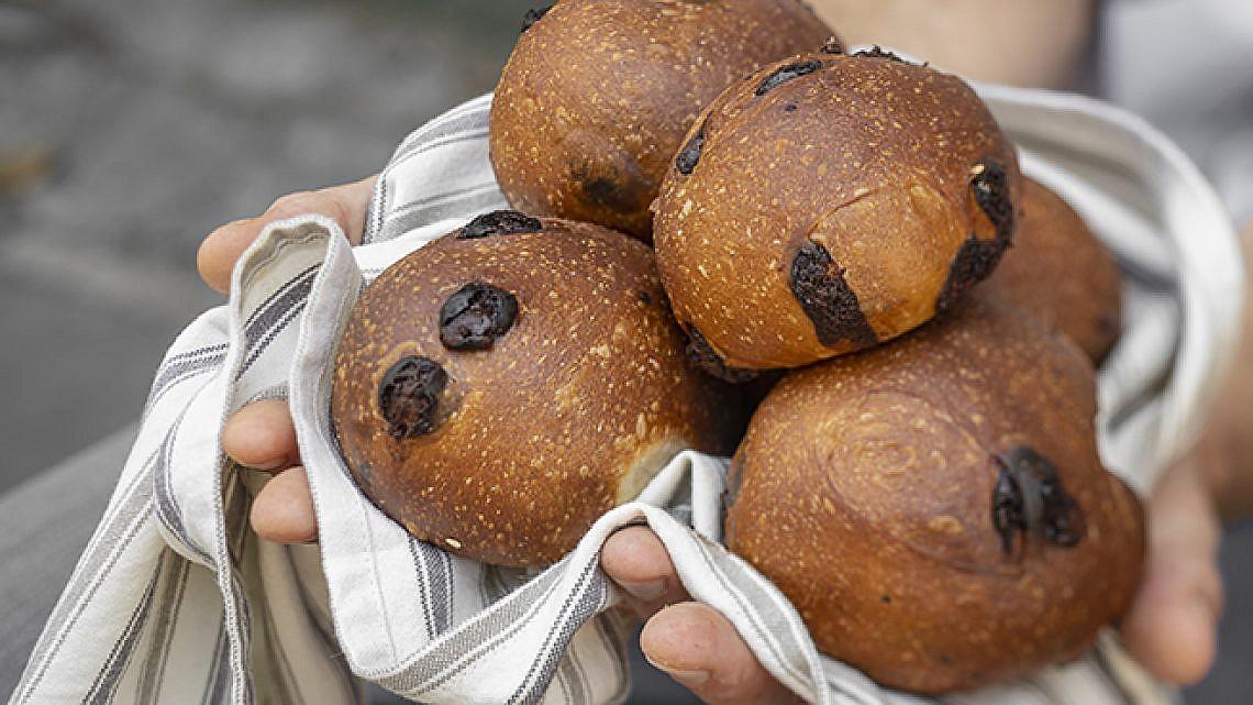 לחמניות שוקולד, לה מולאן. צילום: אנטולי מיכאלו