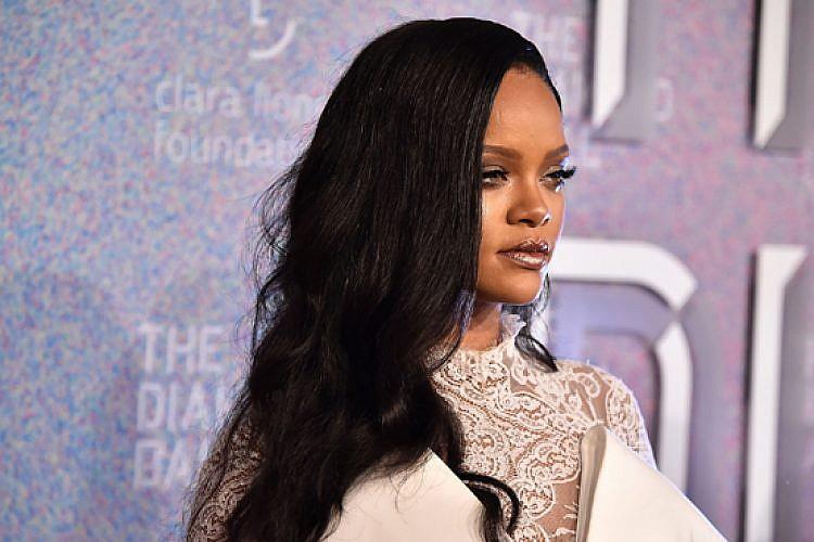 ריהאנה בנשף היהלום שייסדה. צילום: גטי אימג'ס