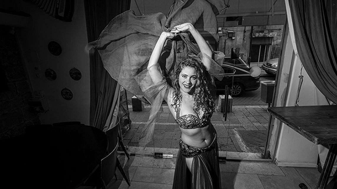 הדר סתיו, רקדנית בטן (צילום: איליה מלניקוב)