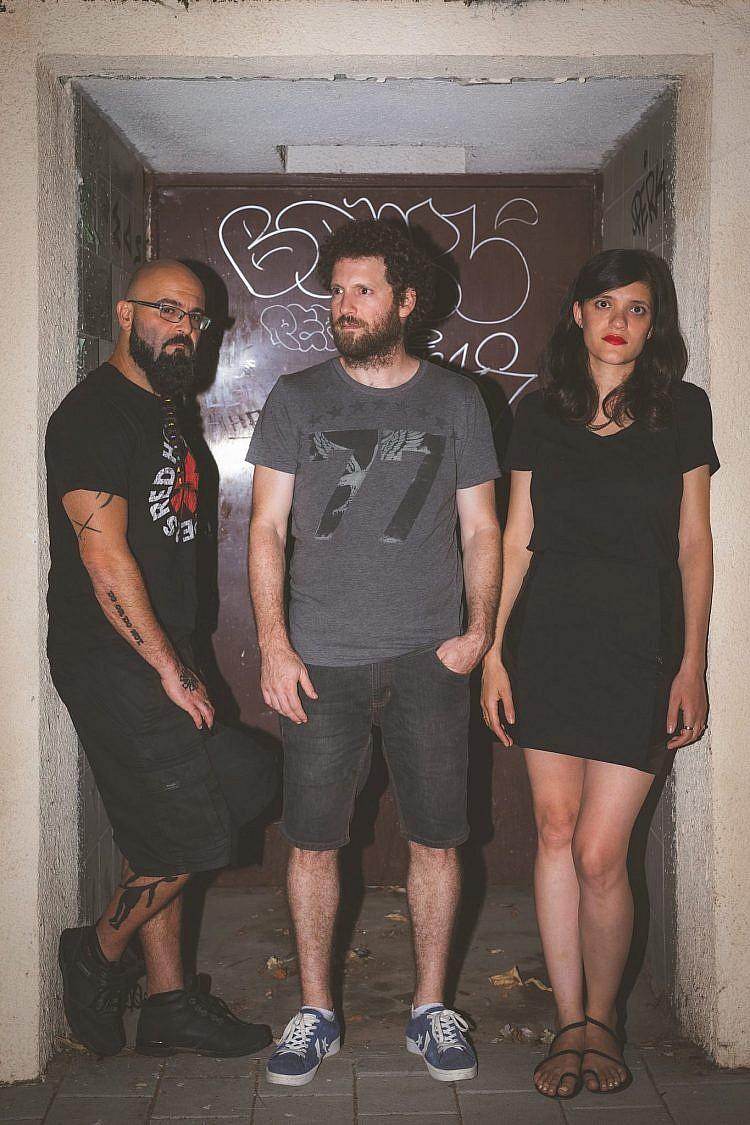 ביש בש. מימין: צור, ברטן ובן הרוש. (צילום: אריאל עפרון)