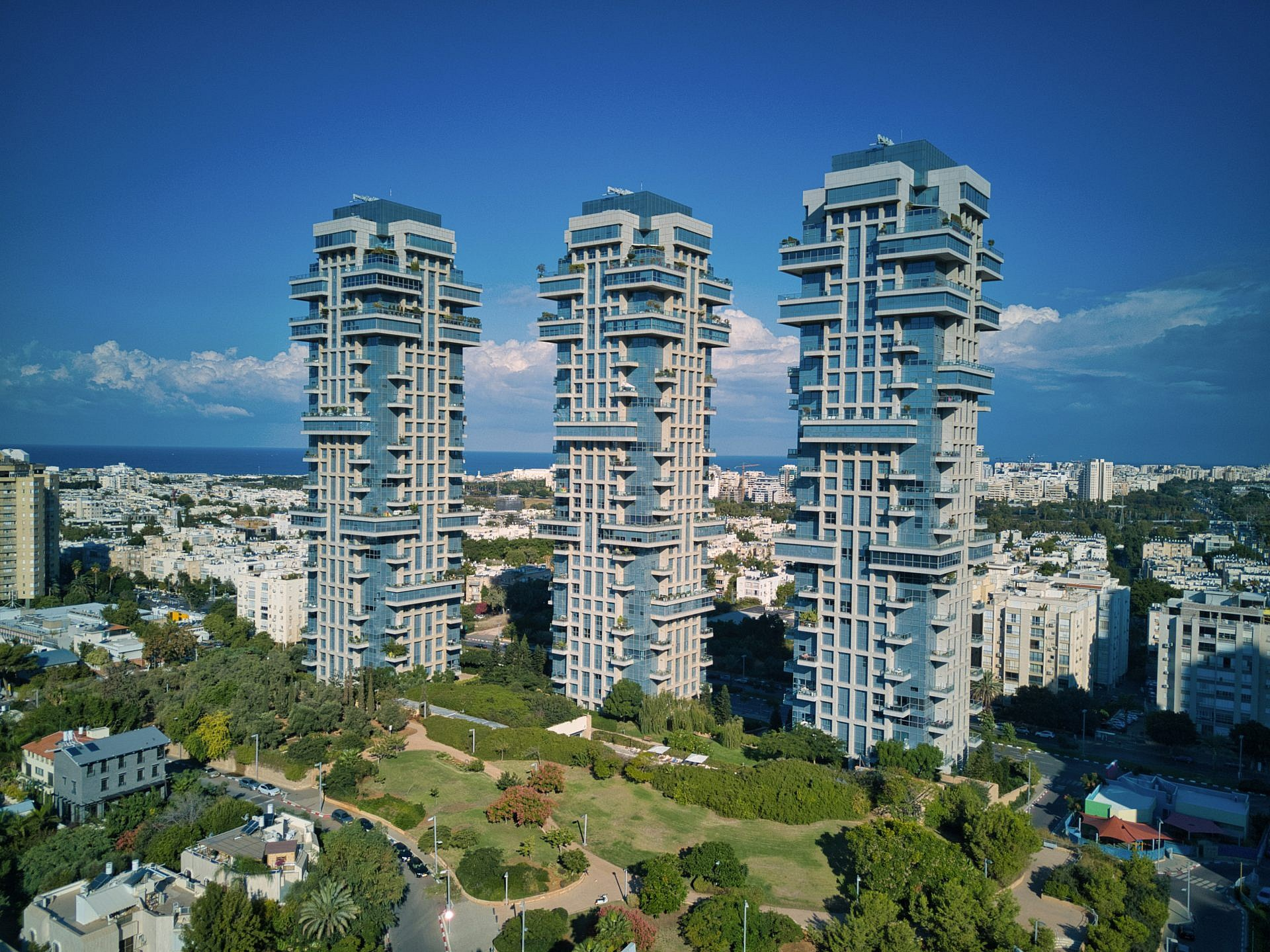העתיד של תל אביב. מגדלי אקירוב (צילום: Shutterstock)