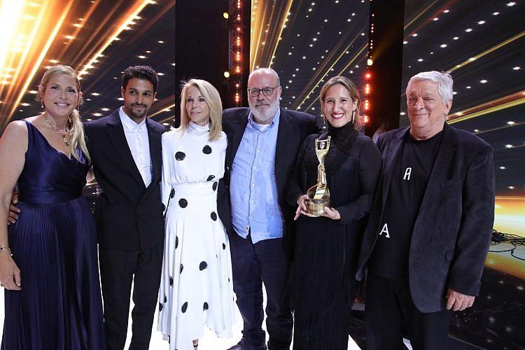 """הזוכים בפרס אופיר על הסרט הטוב ביותר, """"ימים נוראים"""" (צילום: איציק בירן)"""