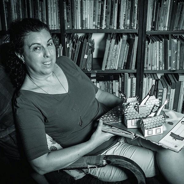 נעה הרניק, אדונית הארונית (צילום: שלומי יוסף)