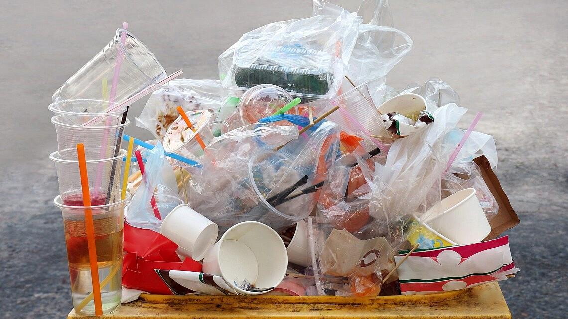 לא עוד? פלסטיק חד פעמי (צילום: Shutterstock)