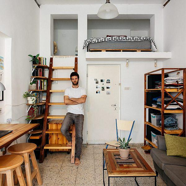 הדירה של תומר ארד (צילום: אור אדני)