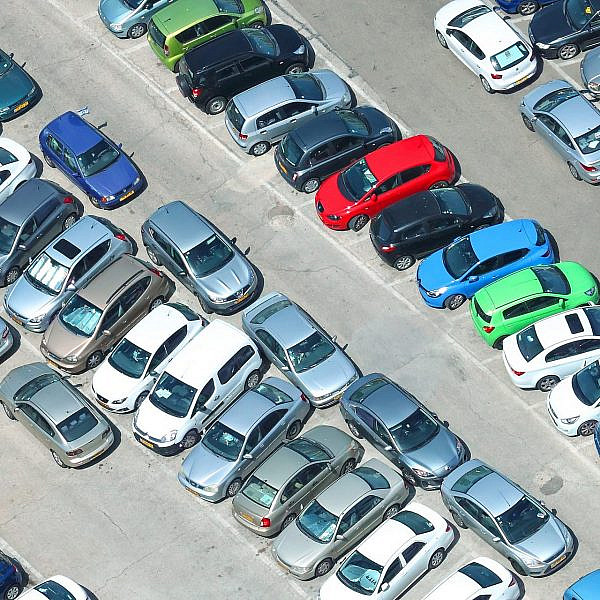 תגידו ביי ביי לחנייה שלכם? השלב הבא במהפכת התחבורה של תל אביב (צילום: שאטרסטוק)