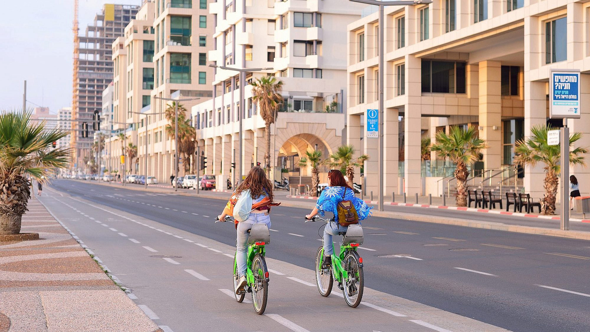 שביל האופניים בטיילת (צילום: Shutterstock)