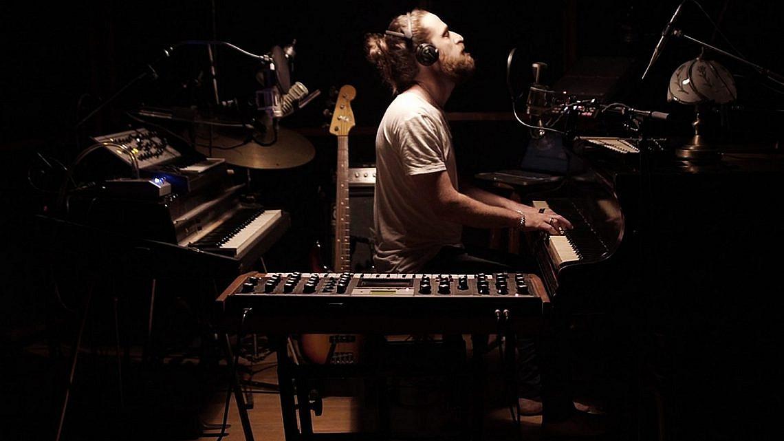 אלדד ציטרין - מופע אוזניות ב-360 מעלות, צילום: איתי גרוס ורועי אבן טוב