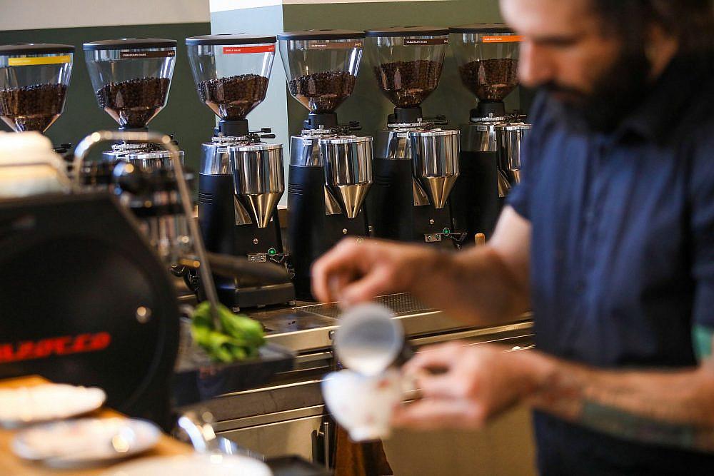 קפה mae: 8 זנים קבועים וזנים אורחים (צילום: שלומי יוסף)