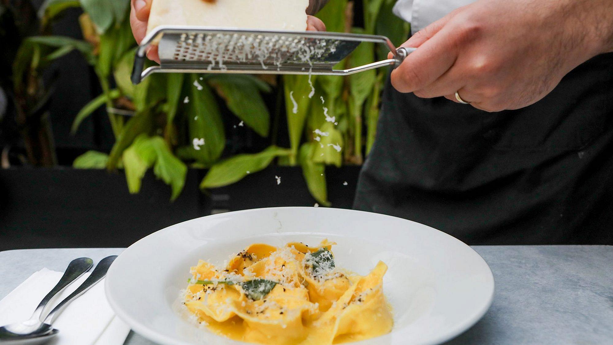 טורטליני גבינות. מגזינו (צילום: שלומי יוסף)