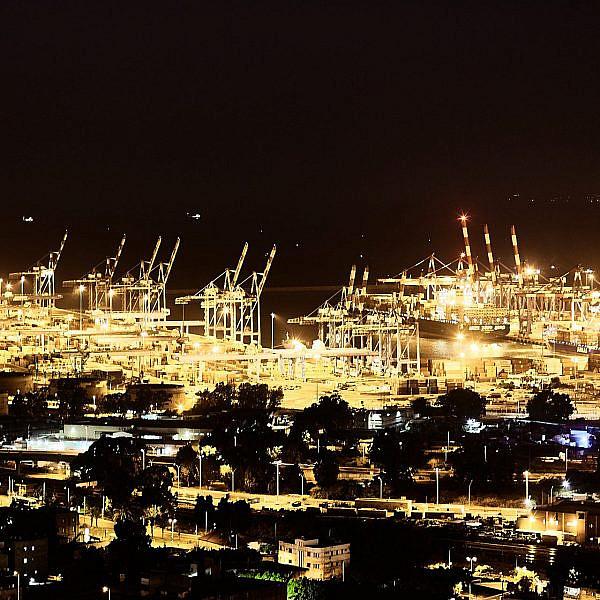 הלוקיישן הכי מושלם בארץ למסיבת טכנו. פורט2פורט בנמל חיפה (צילום: שאטרסטוק)