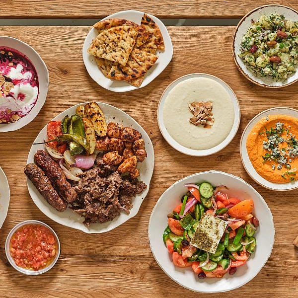 כל ביס ניקוס גאליס. ארוחה יוונית בגרקו (צילום: אנטולי מיכאלו)