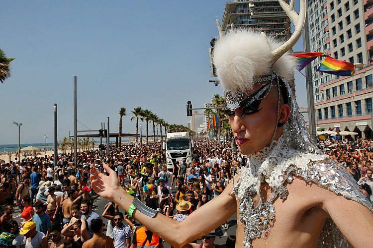 והנה עוד משהו שכבר לא יקרה השנה. מצעד הגאווה בתל אביב (צילום: גטי אימג'ס)