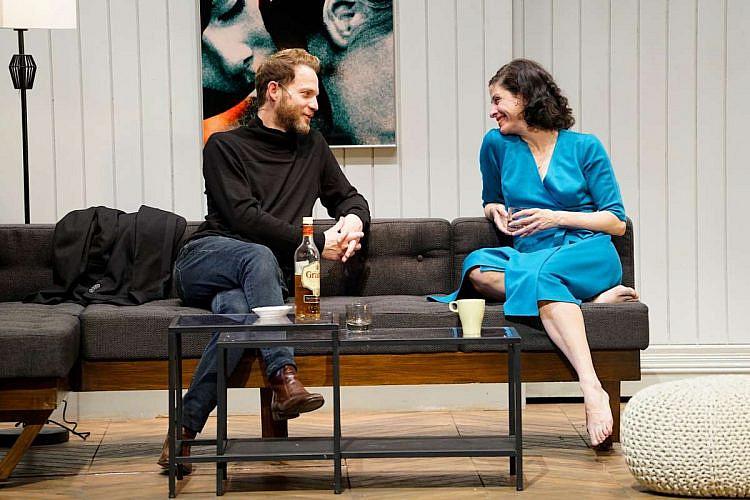"""מביאים את התיאטרון לסלון. """"תמונות מחיי נישואין"""" של הקאמרי עכשיו ב-HOT (צילום: יחסי ציבור)"""