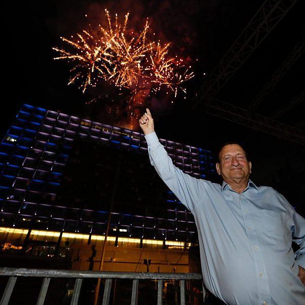 להתראות תל אביב, שלום בחירות. ראש העיר רון חולדאי (צילום: גיא יחיאלי)