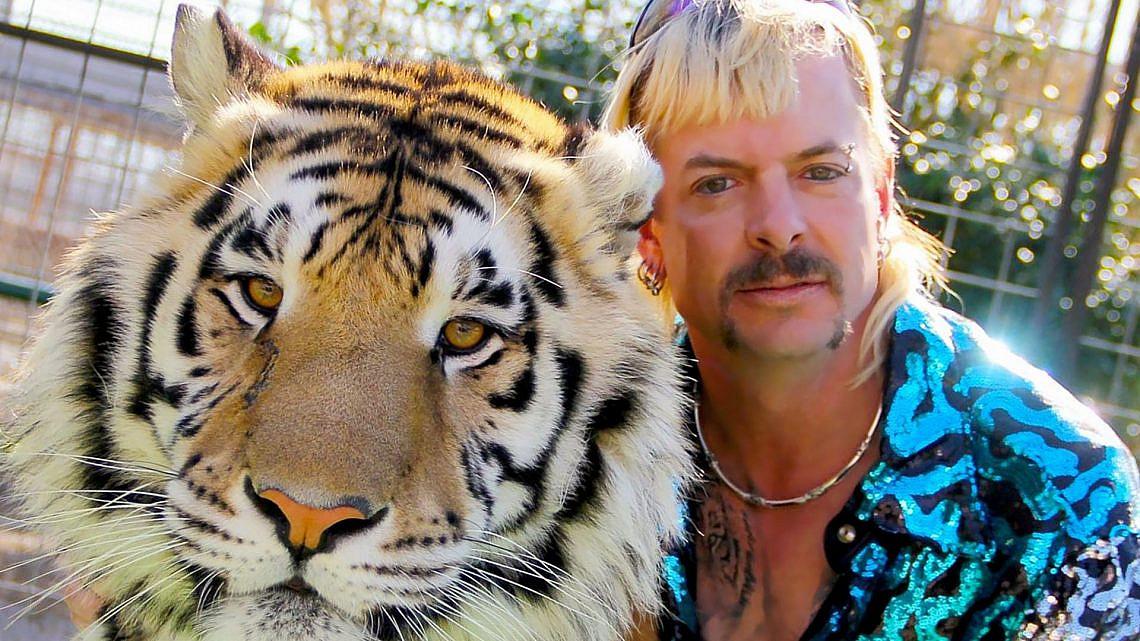 """ג'ו אקזוטיק ב""""Tiger King"""""""