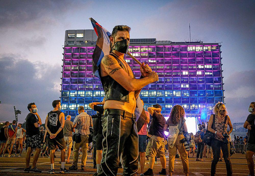 סוויץ' מנראות והזדהות למחאה פוליטית? בוא נראה. עצרת הגאווה 2020 (צילום: שלומי יוסף)