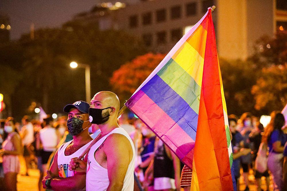 המהפכה היא רשימת מכולת אינסופית. עצרת הגאווה 2020 (צילום: שלומי יוסף)