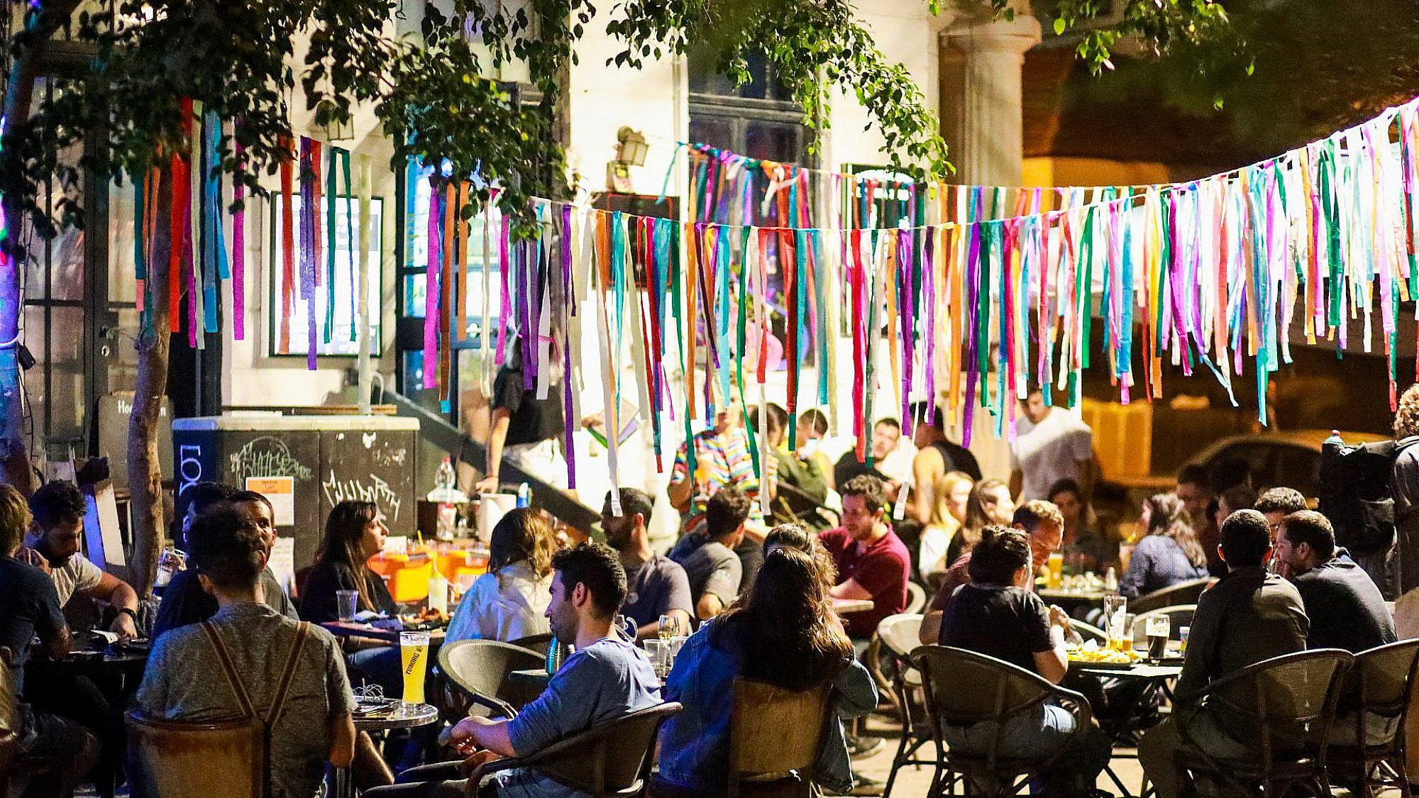 צעירי תל אביב. איך תראה העיר בלעדיהם? (צילום: שלומי יוסף)