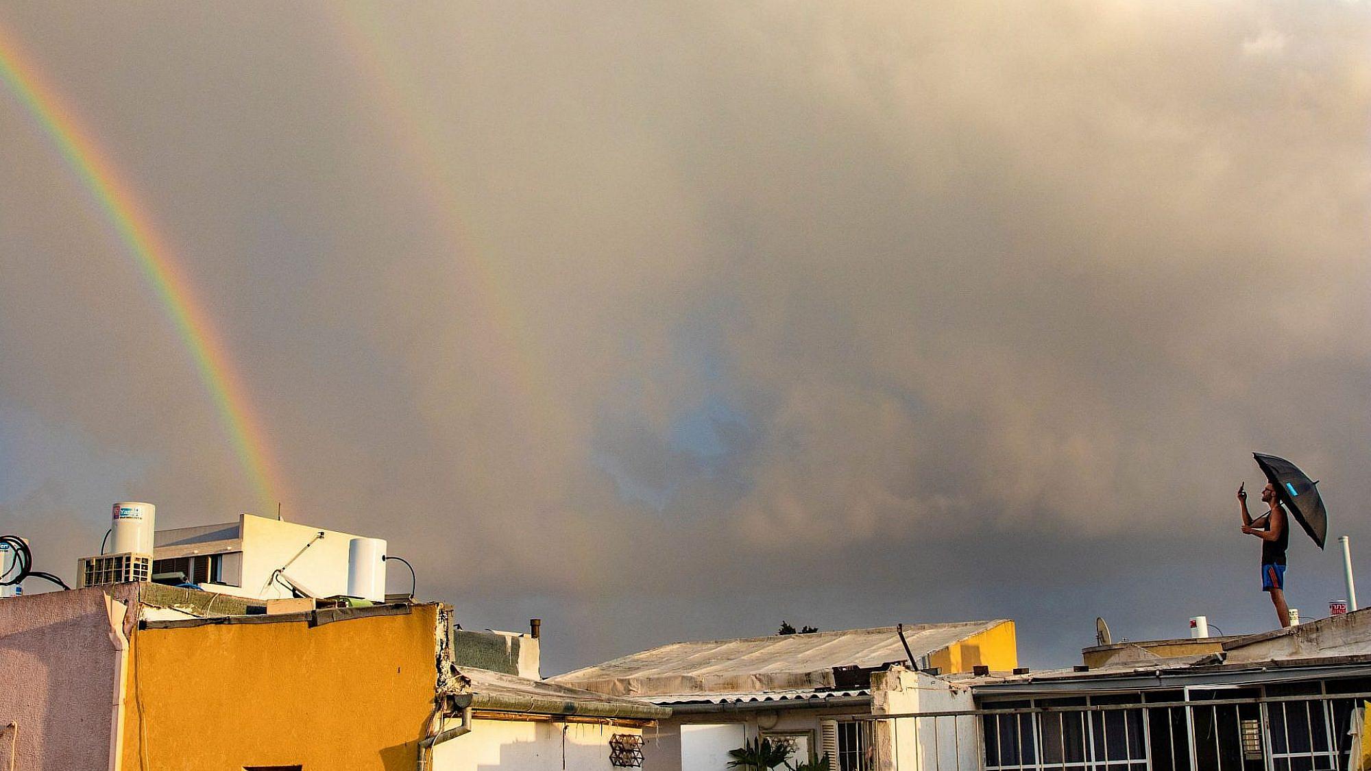 עננים של תקווה. צילום: ספיר בן עמי, פלורנטין, תל אביב