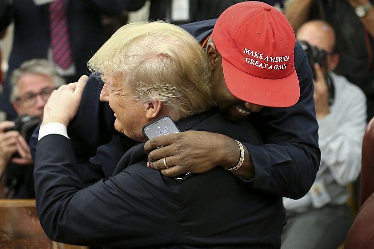 קניה ווסט וטראמפ בחדר הסגלגל, 2018 (צילום: Oliver Contreras - Pool/Getty Images)