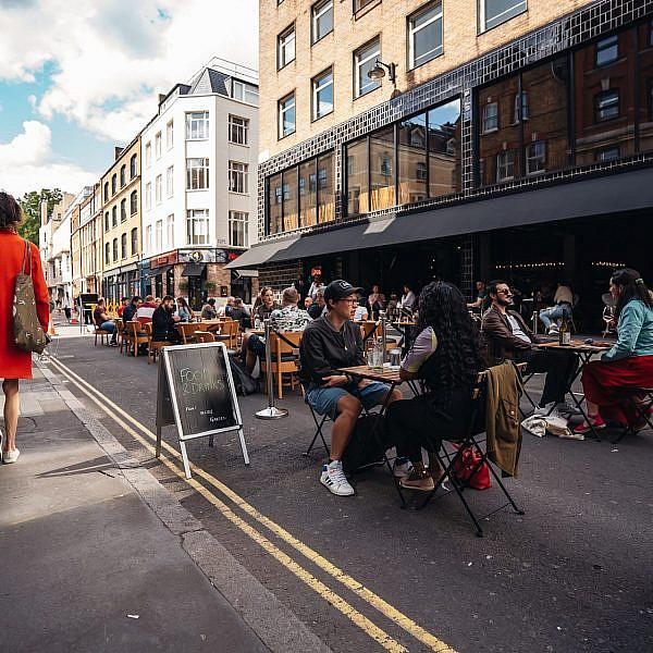 מסעדות במקום כבישים. השבוע בסוהו בלונדון (צילום: סנדור שמוטקו\שאטרסטוק)