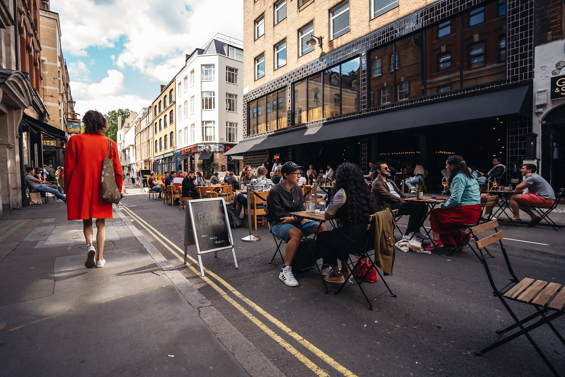 נו, לא דומה קצת למדרחוב הטקטי בנחלת בנימין? הסוהו בלונדון (צילום: סנדור שמוטקו\שאטרסטוק)