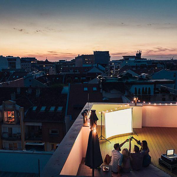 אין כמו דוקו בעולם. פרמיירה על הגג (צילום: שאטרסטוק)